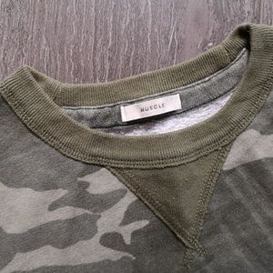 Abercrombie and Fitch men camo sweatshirts muscle